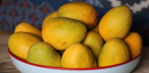 fructose-mangoes
